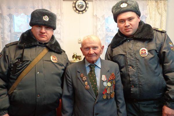 Башкирские полицейские спасл…