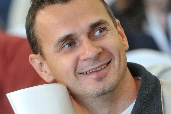 Сенцов тонко указал Зеленскому на то, что проблема Украины не в Путине