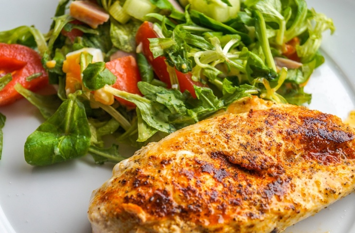 8 секретов, как сделать вкусной куриную грудку