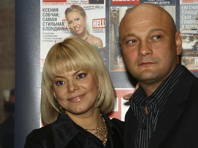 Яна Поплавская представила столичной тусовке нового любовника