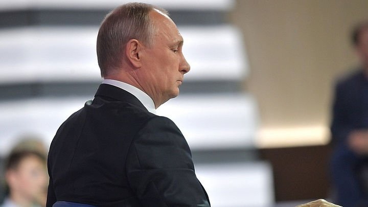 Две информ-бомбы от Путина: …