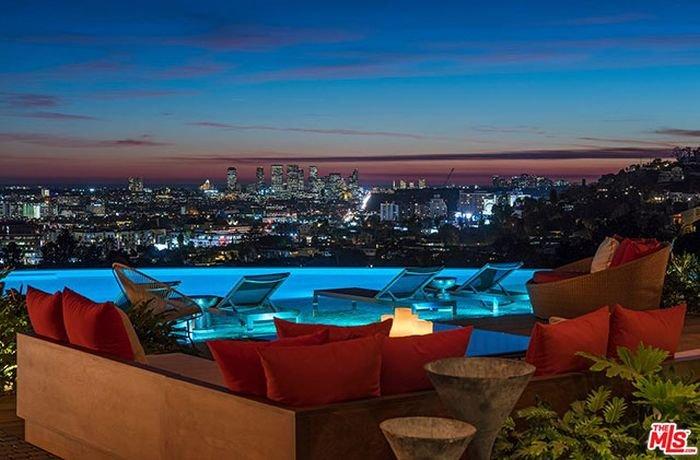 Особняк за 38 миллионов долларов в дорогом районе Лос-Анджелеса