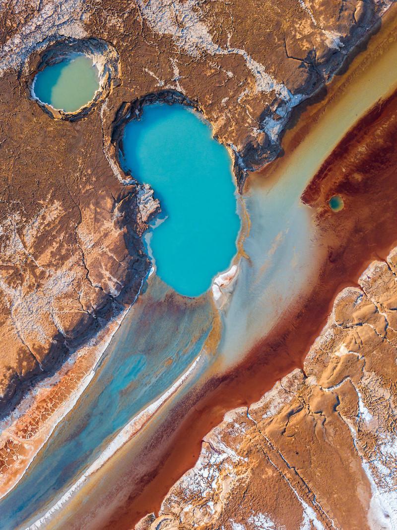 Лагуна, в точности повторяющая форму человеческой почки Израиль, игра красок, красота, мертвое море, пейзажи, с высоты птичьего полета, фото, фотогра