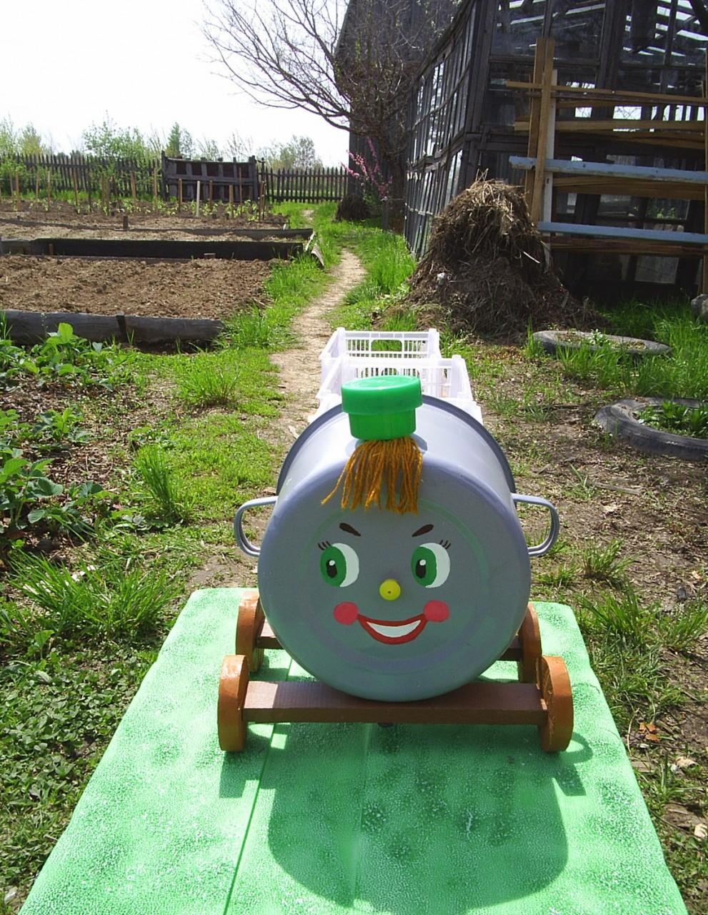 Идеи для детской площадки: детский паровозик 92