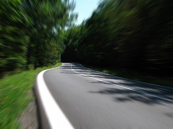 Автоэксперты рассказали, что снижение скоростного порога навредит водителям