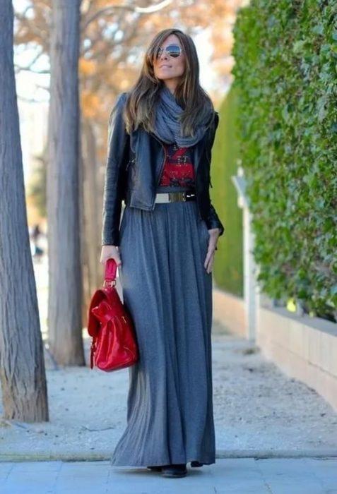 Как и с чем носить длинную юбку — 10 женственных образов