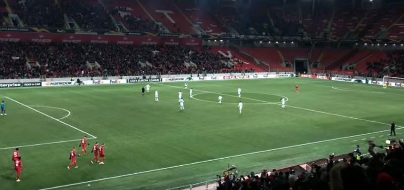 УЕФА оштрафовал два футбольных московских клуба за «неспортивное поведение» болельщиков