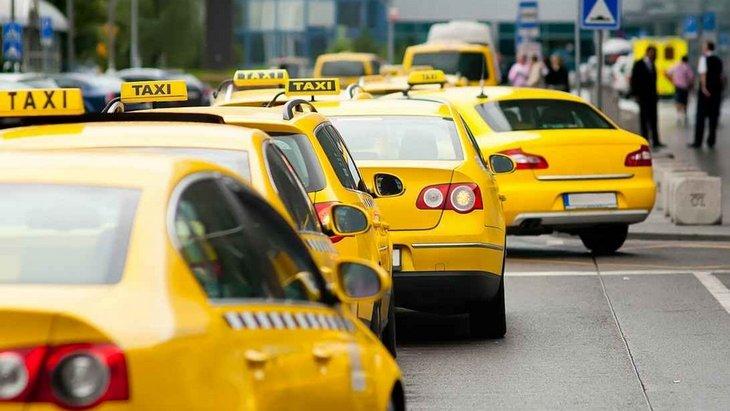Контроль за водителями такси будет ужесточен