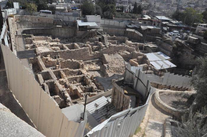 Общий вид с запада на раскопки в городе Давида в Иерусалиме