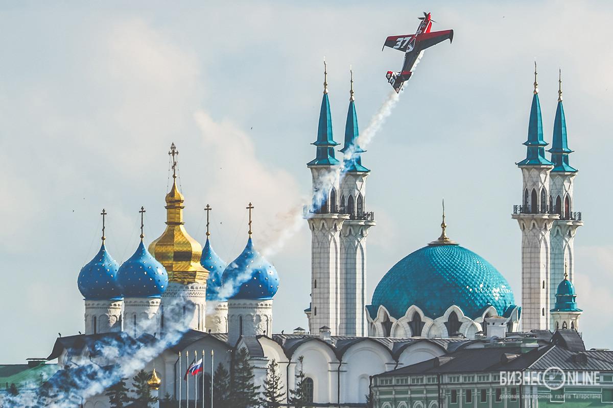 В Казани завершился международный турнир Red Bull Air Race