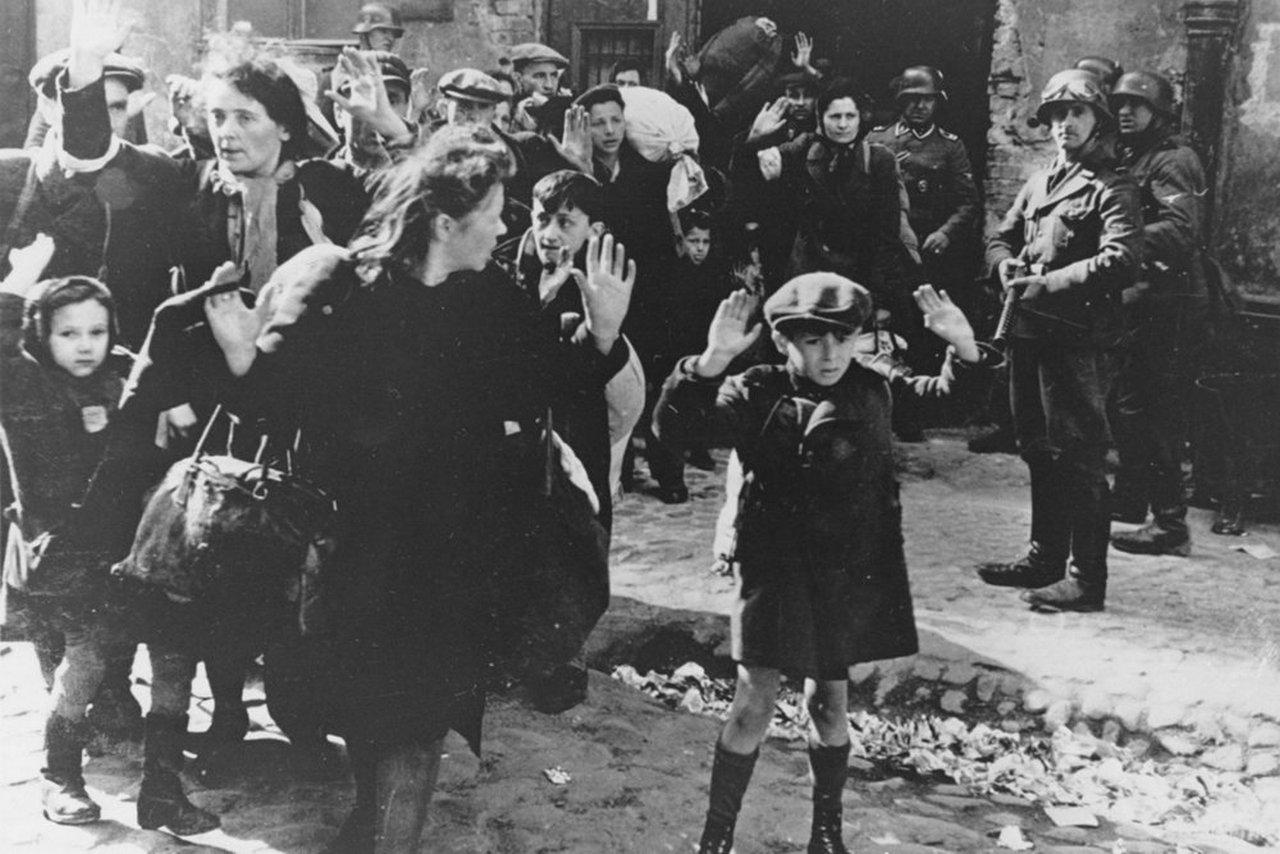Польша устроила погром истории