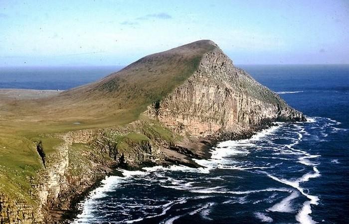 Фула — остров, являющийся частью архипелага Шетландских островов.