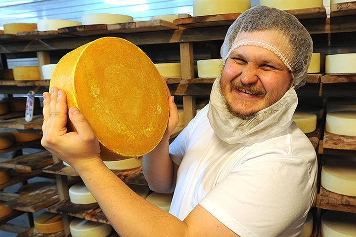 На Сырном фестивале заложили новую сыроварню и поставили два рекорда
