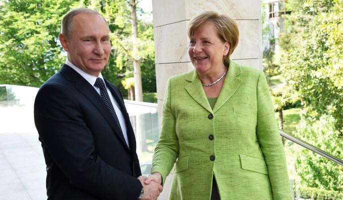 Путин с улыбкой отбил жалкую…