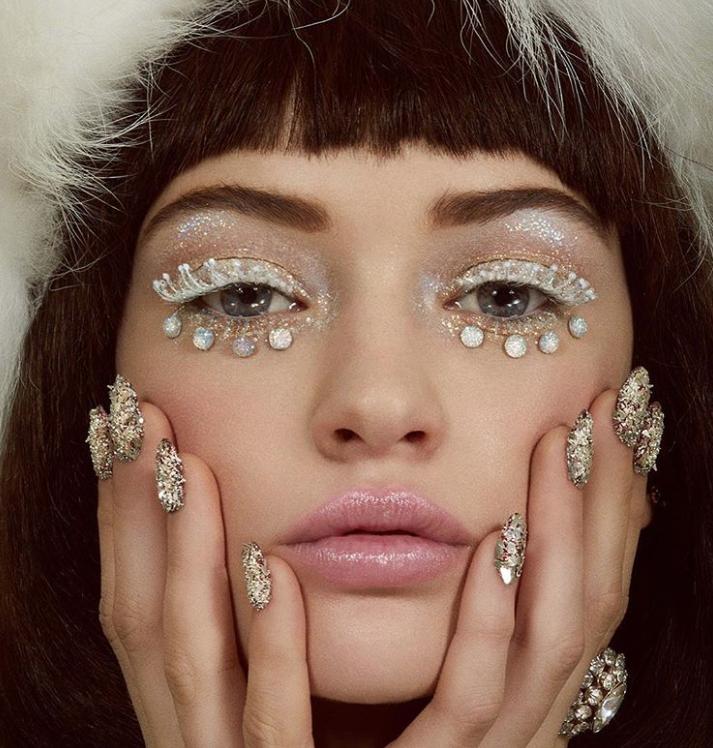 Популярный тренд в Instagram — дерзкий макияж в стиле авангард