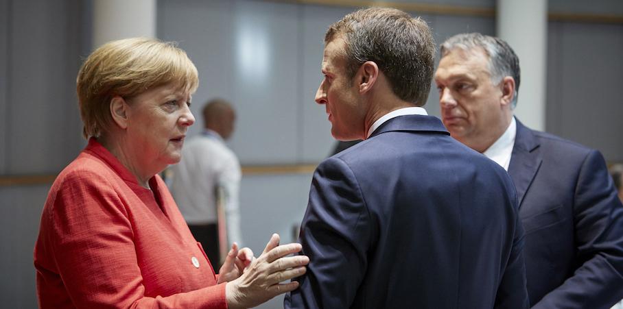 Как Меркель поссорилась с Макроном