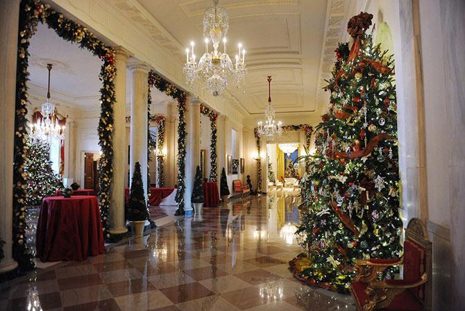 Мишель Обама показала рождественское убранство Белого дома