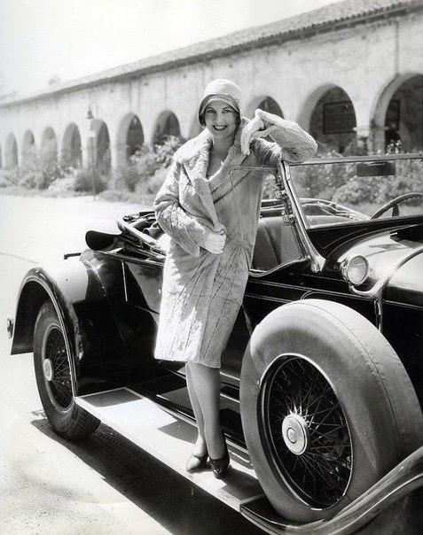 Дамы и авто. ретро - фотографии.