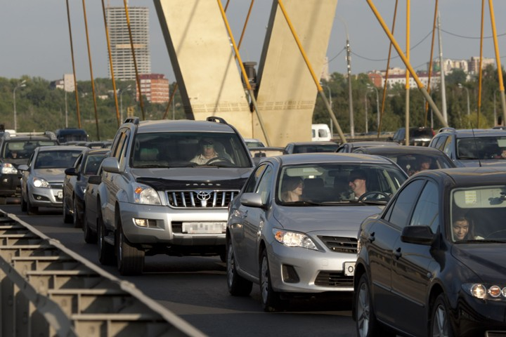 Московские автомобилисты смогут оплатить все штрафы в один клик