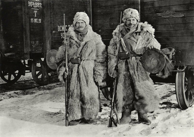 1. Чешские легионеры охраняют поезд в Сибири в -40 (1918) жизнь, исторические фото, история, прошлое, фото