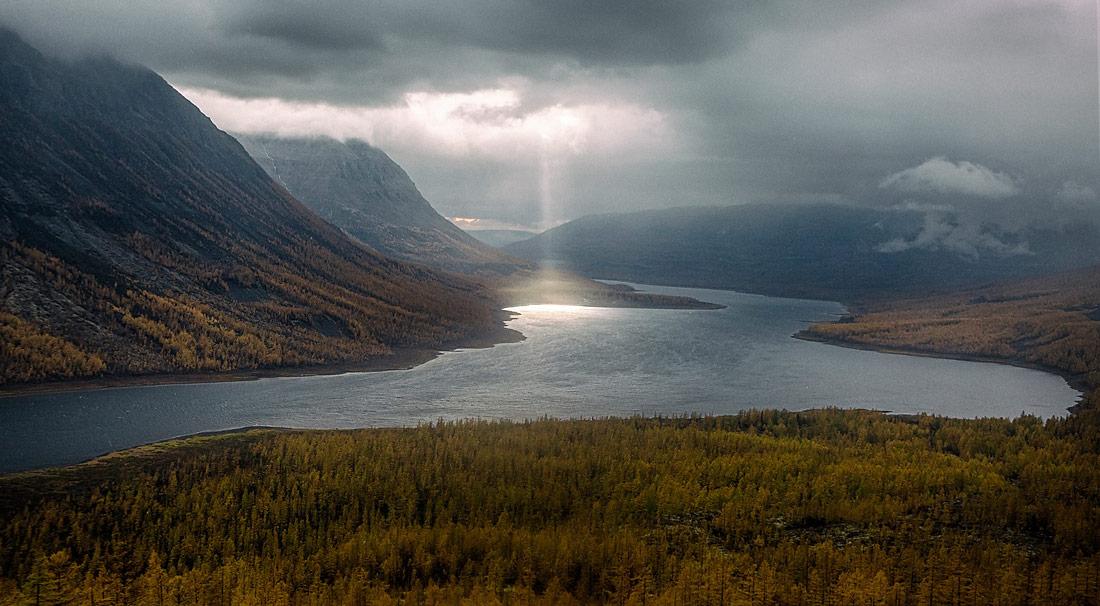 Красоты России. Осень в стране водопадов  на плато Плуторана.