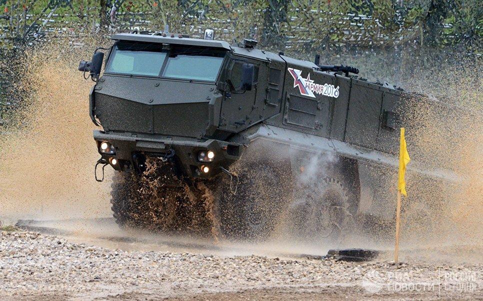 """Стальной """"Тайфун"""" для армии. Спецназ испытал новые бронеавтомобили"""