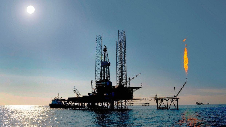 Законопроект о завершении налогового маневра в нефтяной отрасли внесен в Госдуму