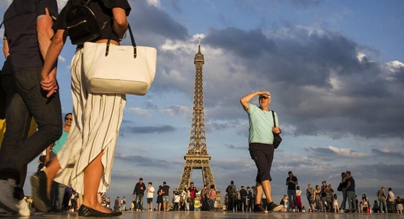 Каждый пятый москвич хочет уехать за границу