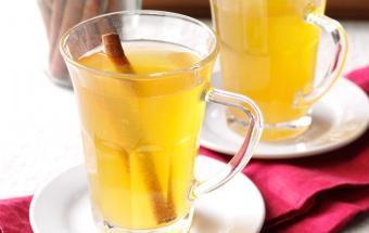 Горячий грушевый напиток с к…