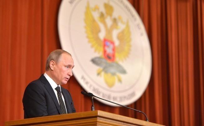 Россия переходит от обороны …