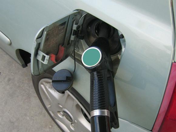 ФСБ занялась гигантским недоливом бензина