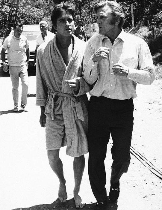 Кирк Дуглас — последний живой актер Золотой эры Голливуда Кирк Дуглас, актёр, голливуд, знаменитость