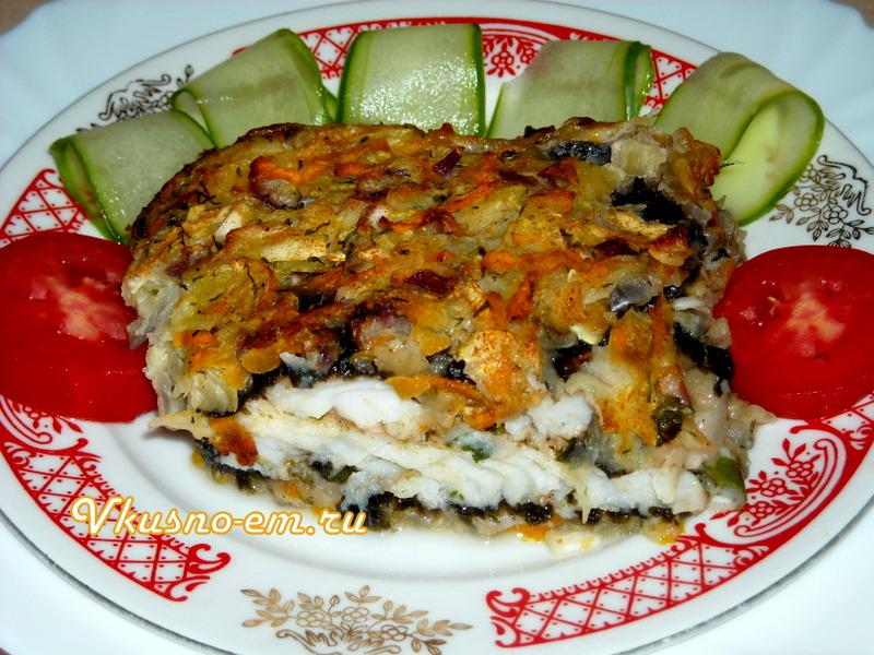 Рыба в водорослях с овощами