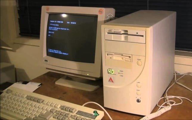 """""""Выйди из Интернета! Мне срочно нужно позвонить!"""" и другие ужасы древнего Интернета"""
