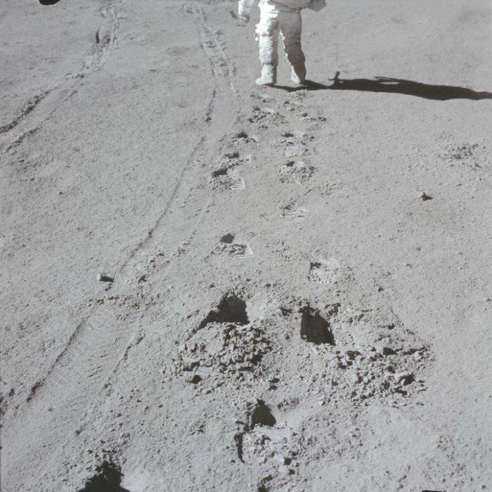 Рассекречены архивы NASA: 8400 фотографий с первой высадки на Луну попали в Интернет