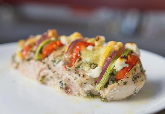 Курица с овощами по-гречески…