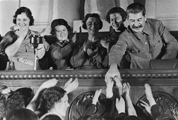 Сталин И.В. и Лия Ахеджакова!