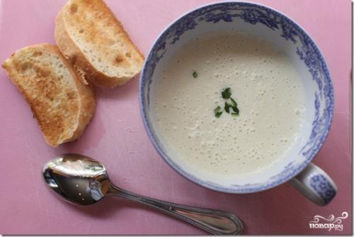 Суп — пюре чесночный.