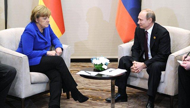 Принесите нам два пива и карту Украины: Зачем Меркель едет к Путину