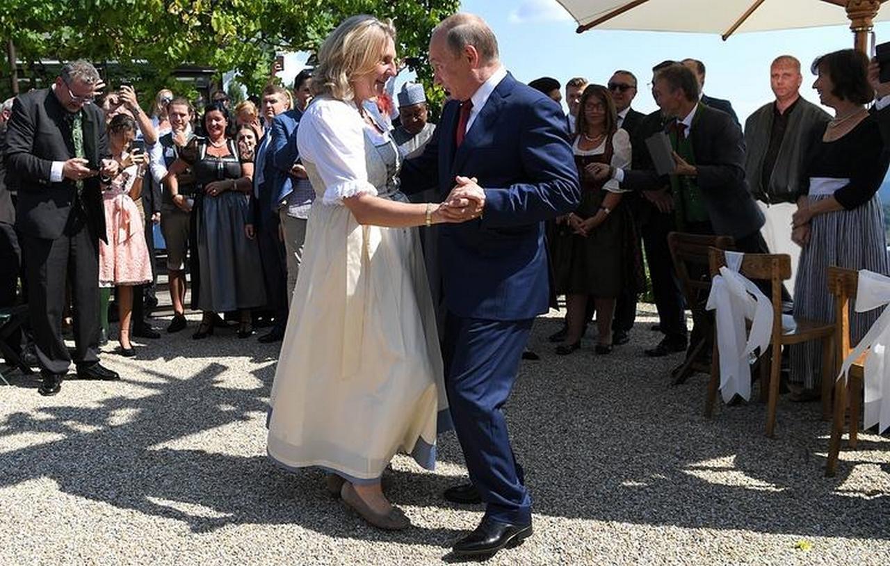Дипломатия с человеческим лицом, или Как Путин удивил Европу. Андрей Бабицкий