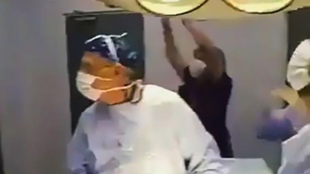 Хирурги в Чили смотрели футбол прямо во время операции
