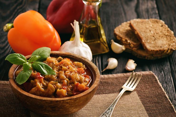 Блюдо дня: меживо из баклажанов