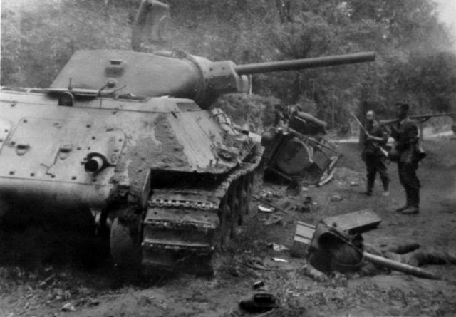 Т-34  41-го и его «ахиллесова пята» глазами немецкого артиллериста. Почему «эти танки не могли друг друга защищать»