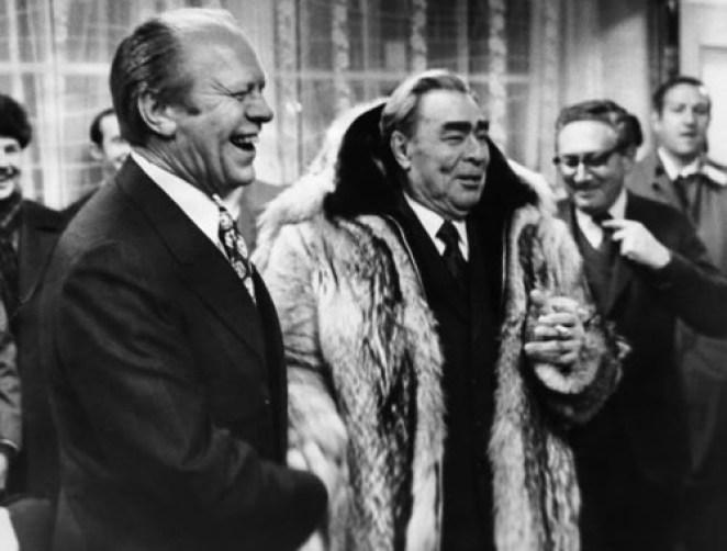 Давайте судить по фактам. Что хорошего сделал Брежнев для советских людей?
