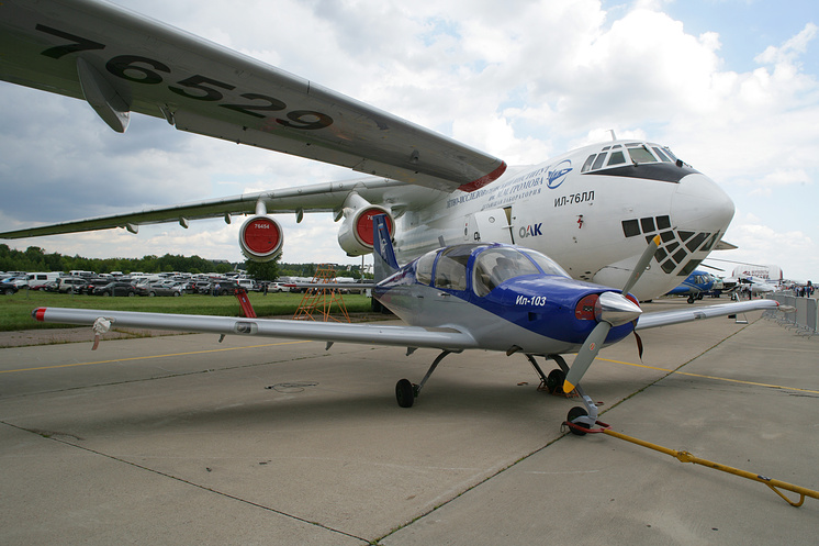Рассматривается возможность восстановления производства модернизированного легкого самолета Ил-103
