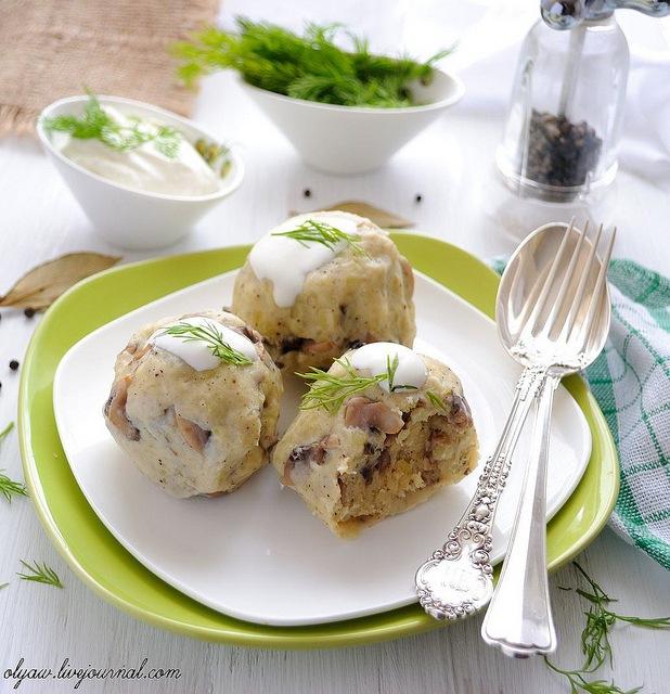 Картофельные клецки с грибами