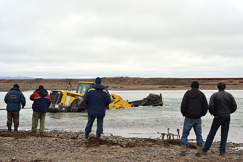 3187 Как вытаскивают утонувшие грузовики