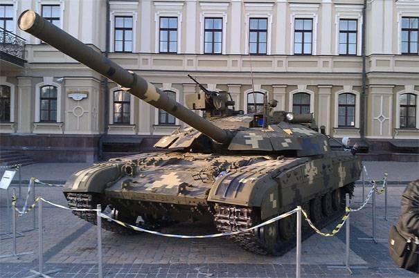 """Замкомандующего Сухопутными войсками ВСУ: Танки Т-64БМ """"Булат"""" оказались неэффективными"""