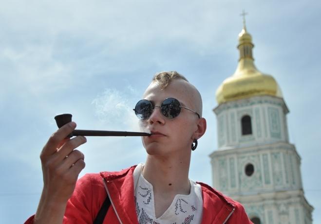 Дывитесь, кляты москали, як гарный украинец в Европу иде