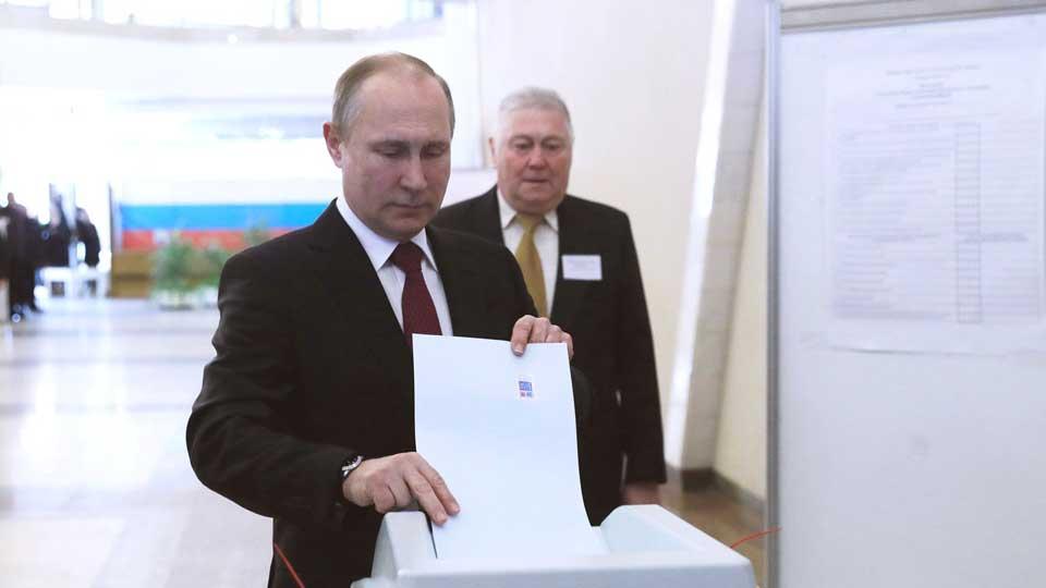 Голосовали за Путина, надеялись на лучшую жизнь, но подохнем в нищете: читатели РИА «Новый День» о пенсионной реформе